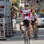 Zieleinlauf der 3.Etappe der Rothaus-Regio-Tour mit Ron als Sieger